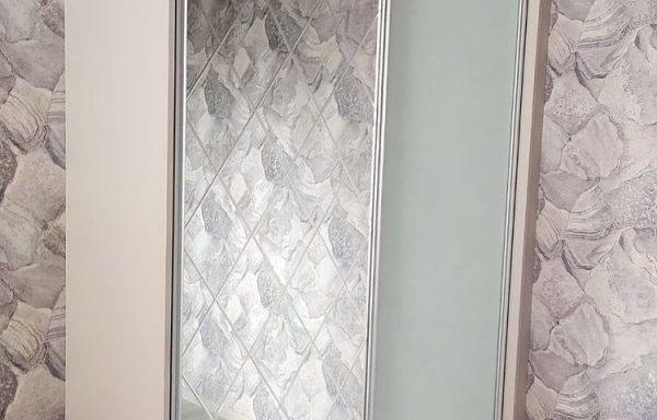 Шкаф купе в спальню в небольшой квартире в Минске